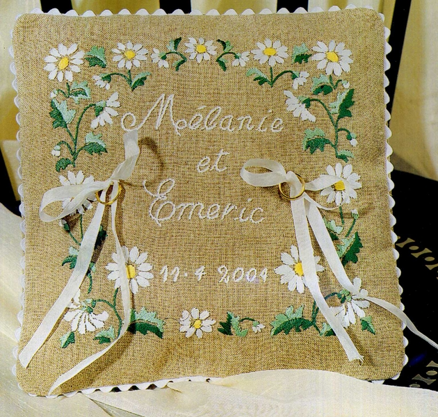 "Coussin mariage ""paquerettes"""