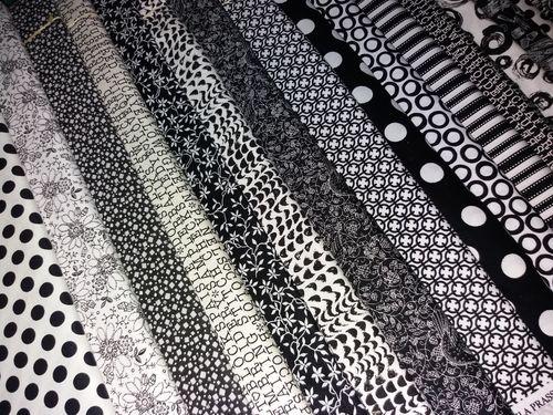 Lot de 20 coupons de Tissu patchwork blanc noir et gris